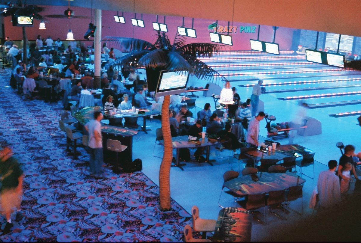 Bowling: The Future of Family Entertainment <br>An Anchor Attraction That Can Increase Your Market Share