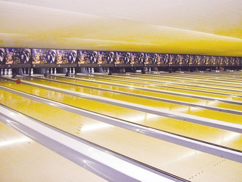 Creating the Perfect Place to Play: <br/>Color and Music at Bowling Centers