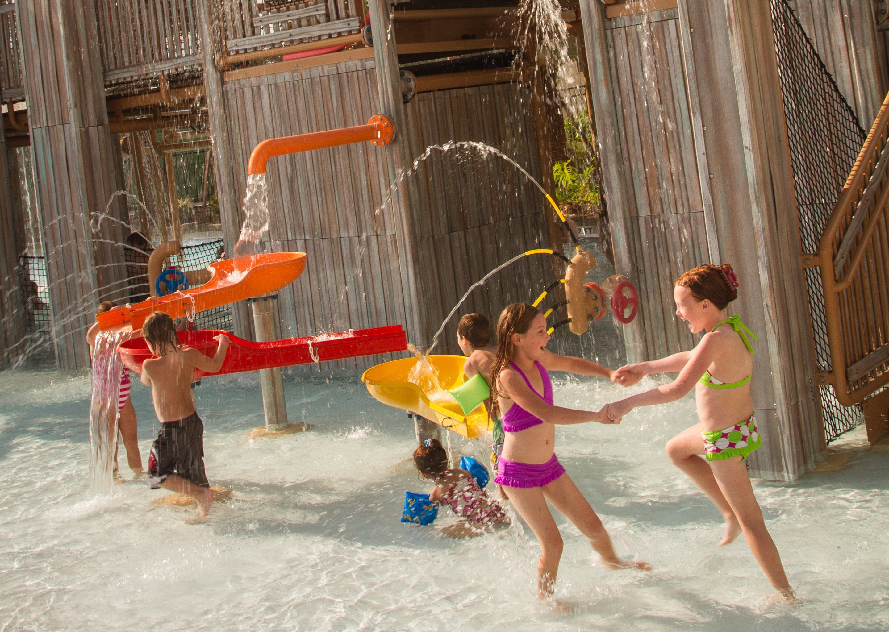 Making a Splash Without Getting Soaked <br/>Splash Parks and Dry Play Areas at Waterparks