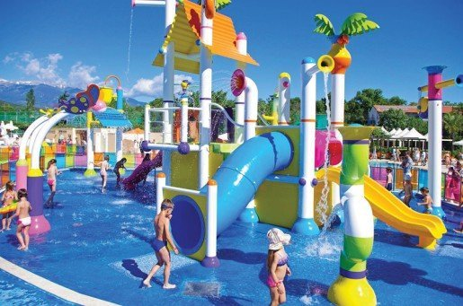 The waterplay area by Empex at the Cronwell Group's Platamon Resort in Greece was integrated into the existing pool layouts giving young families a new revitalized water playground at the resort.