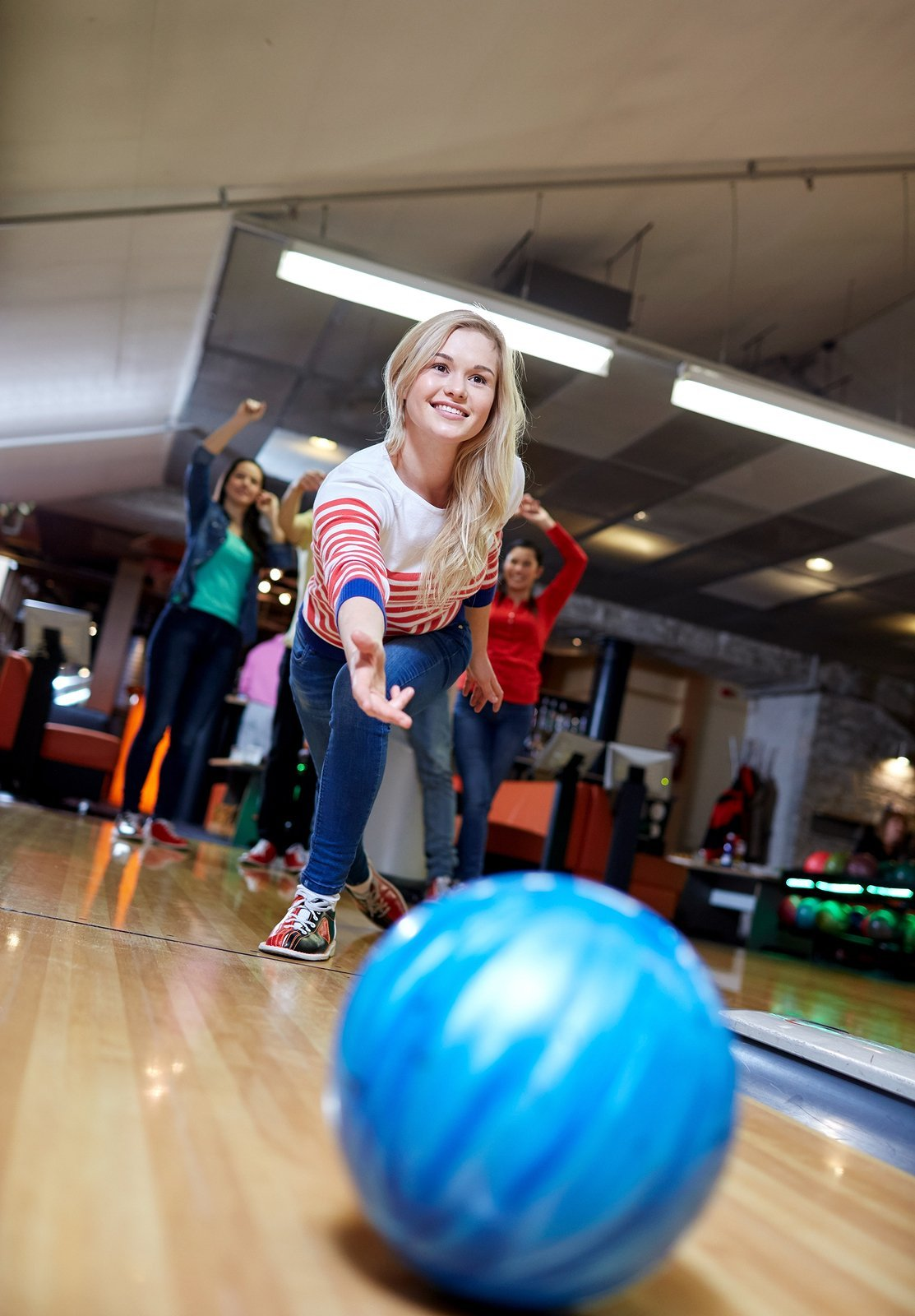 Flipping a Switch for Guest Satisfaction<br> The Lighting Picture at Bowling Centers