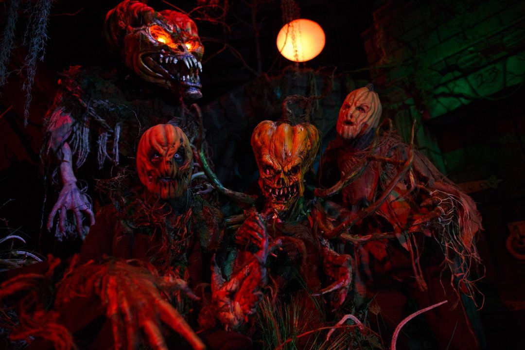 Clowns, Zombies and Classic Scares – The Hottest Haunt Characters for Halloween 2015