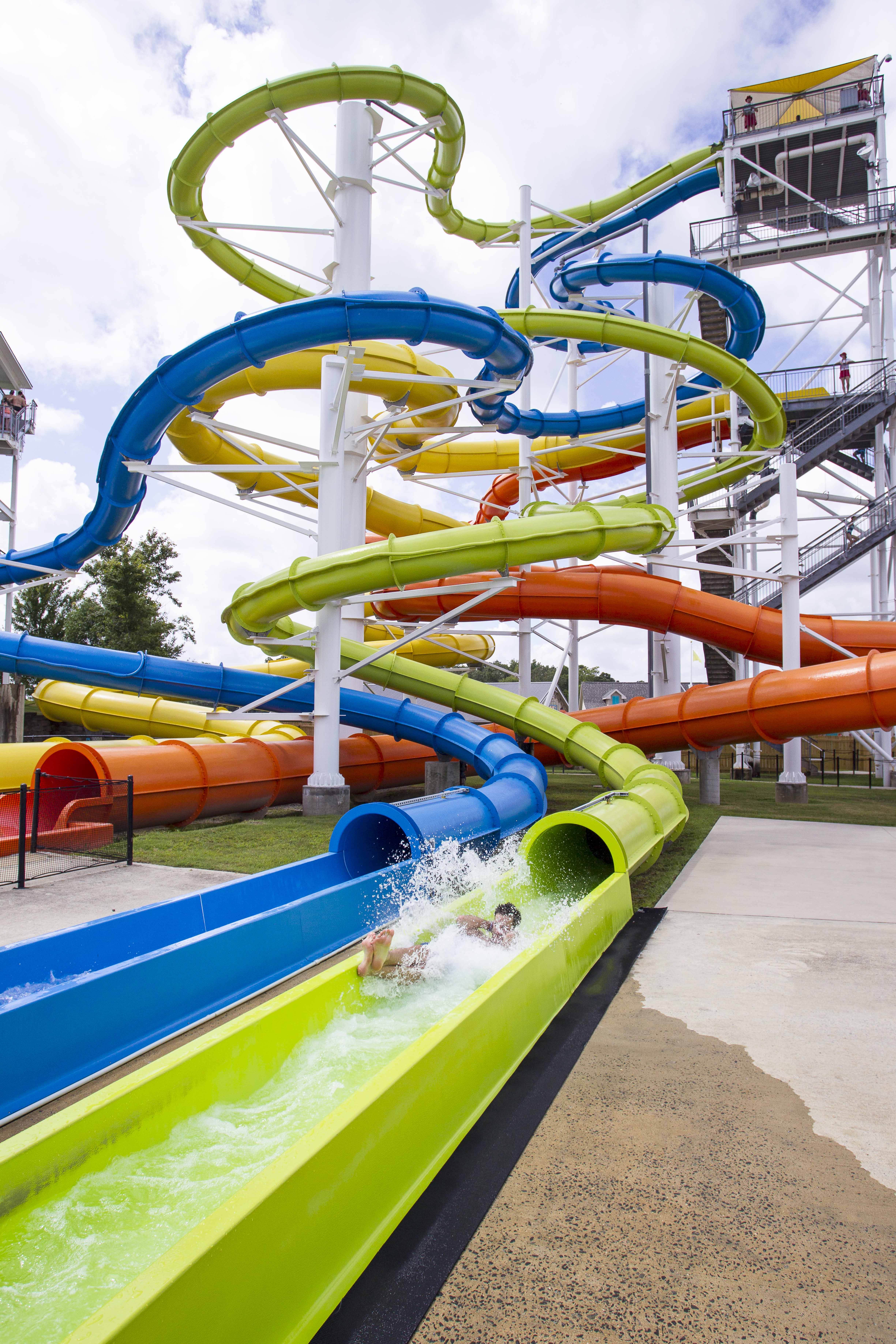 Extreme Rides, Lazy Rivers  and Spray Parks <br> Which Waterpark Attractions Are Trending for 2019
